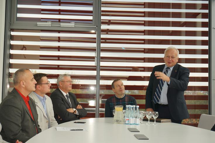 """Apie mokslo ir verslo bendradarbiavimą – """"Santakos"""" slėnio LSMU centre"""