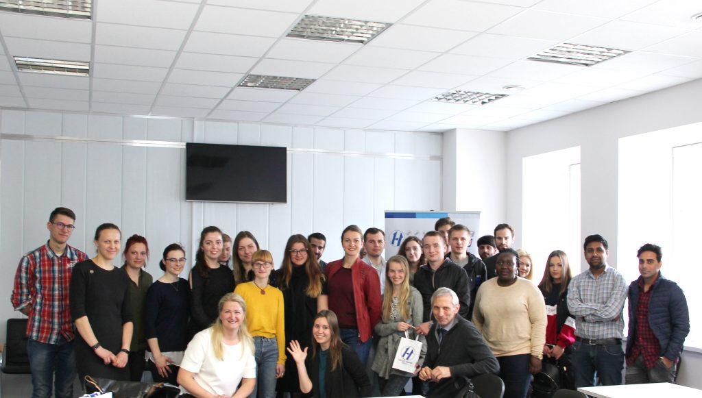 Hegelmann Transporte aktyviai bendrauja su studentais