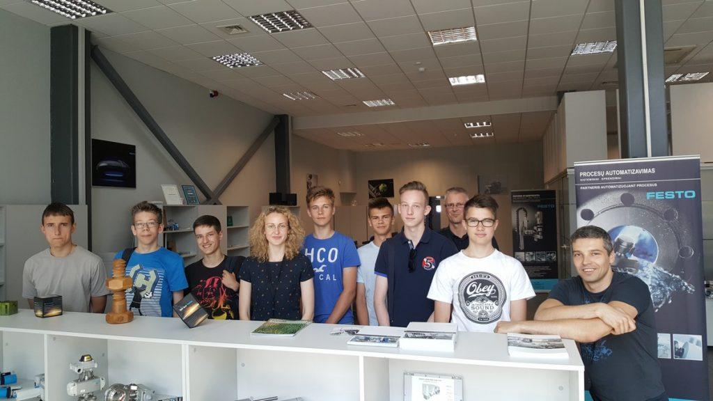 Moksleiviai:  pažintiniai vizitai į įmones buvo puiki patirtis