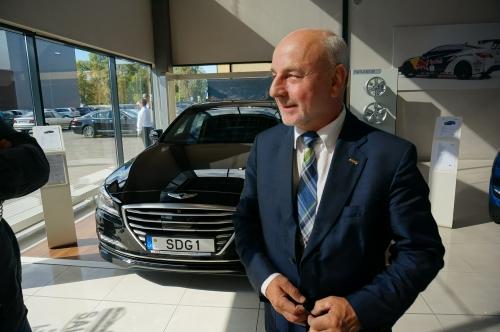"""Nauja """"SDG"""" grupės veikla: prekiaus automobiliais"""