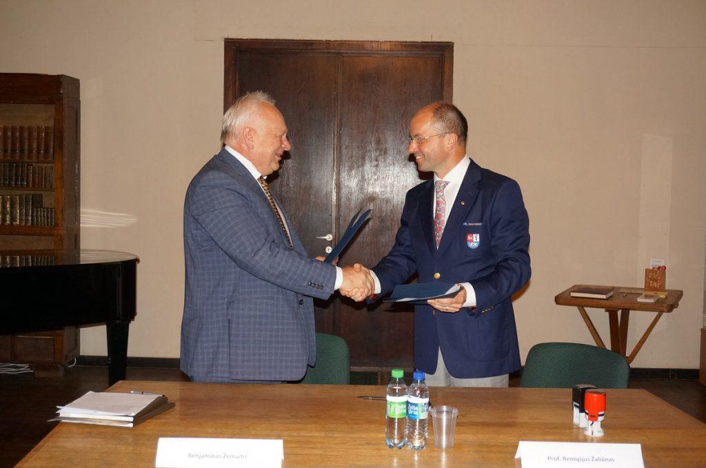 Pasirašyta rūmų ir LSMU bendradarbiavimo sutartis