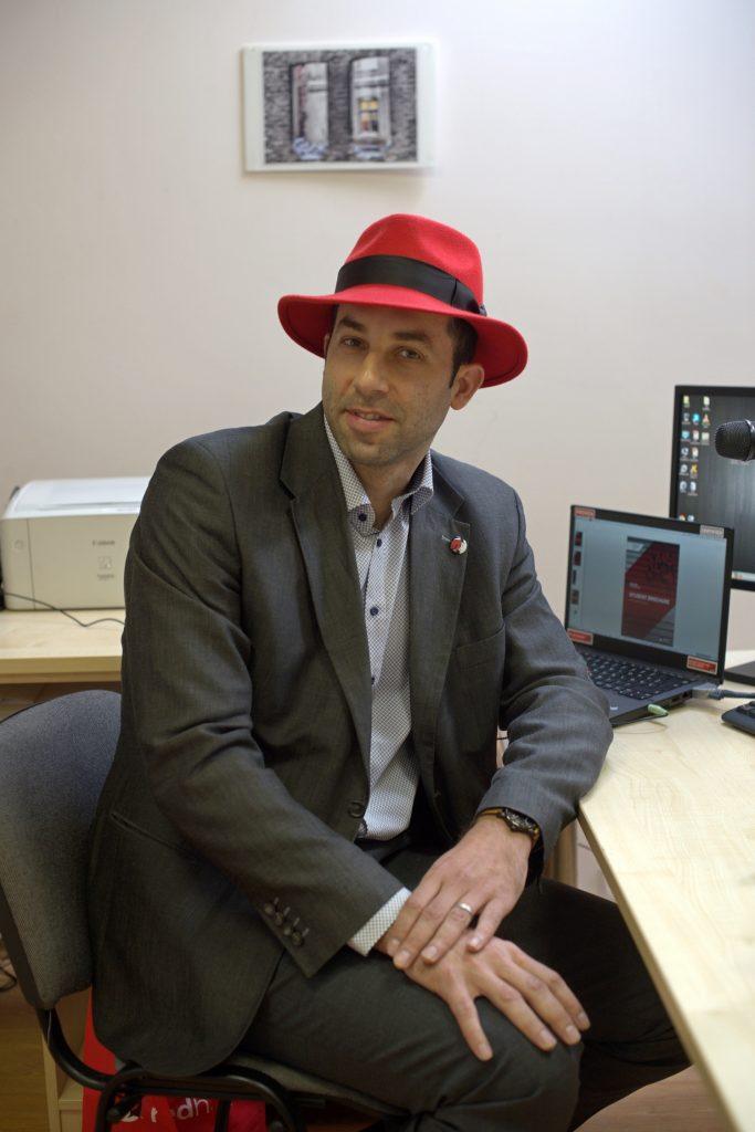 """Pirmoji Europoje """"Red Hat"""" akademija – Kauno informacinių technologijų mokykloje"""
