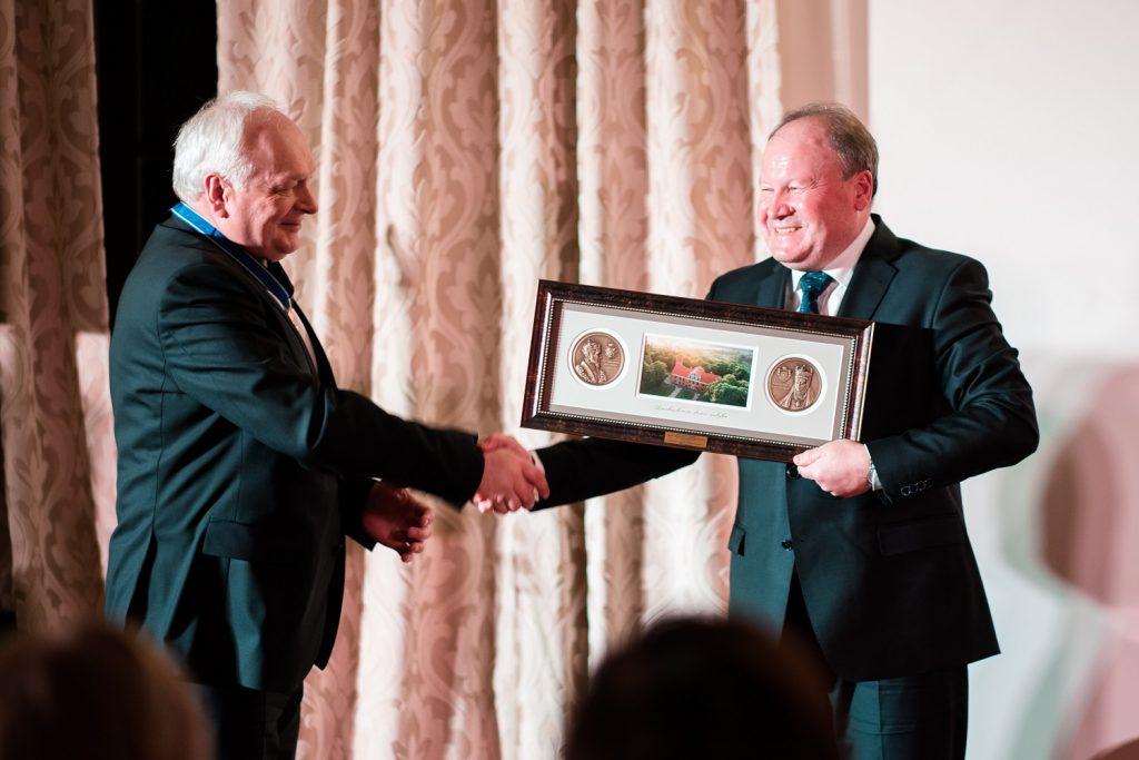 Rūmų prezidentui B. Žemaičiui – garbingi apdovanojimai