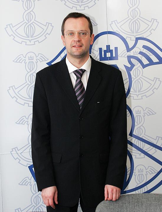 """Rūmų viceprezidentas Evaldas Rapolas – VDU Teisės fakulteto """"Metų žmogus"""""""