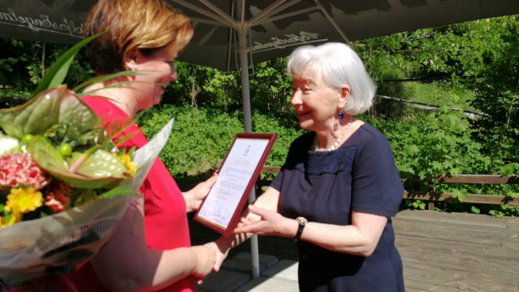 Rūmų žurnalisto premija apdovanota  Ramutė Šimukauskaitė