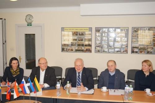 Susitikimas su garbės konsulais