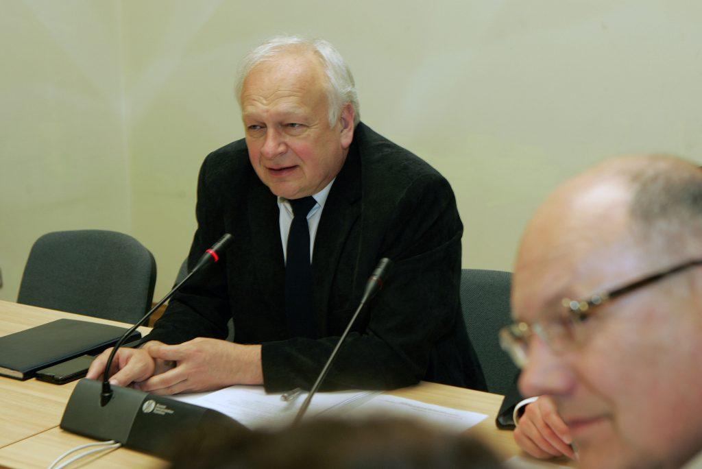 Verslo taryba:  dviejų Lietuvos oro uostų konkurencija yra pavojinga