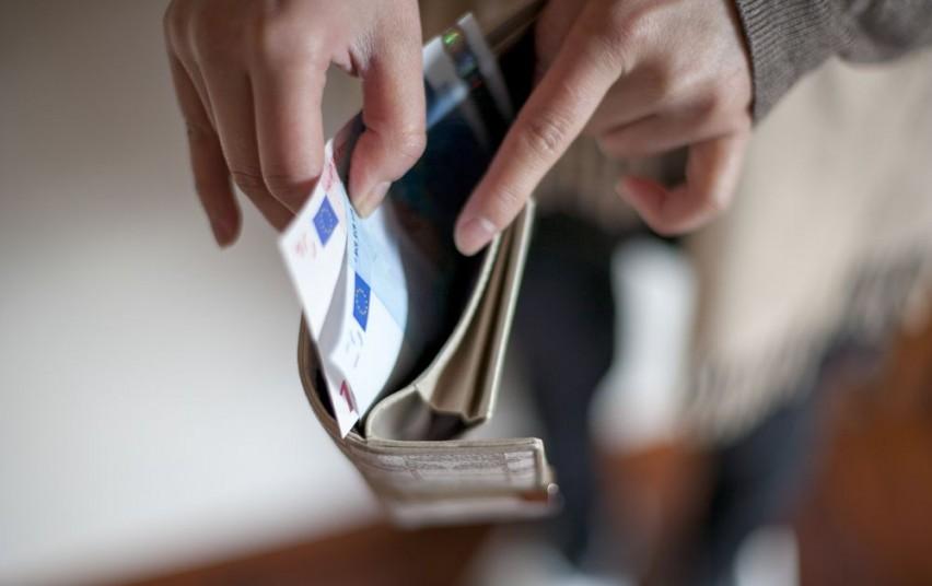 Vyriausybė pritarė minimalaus darbo užmokesčio didinimui iki 400 eurų
