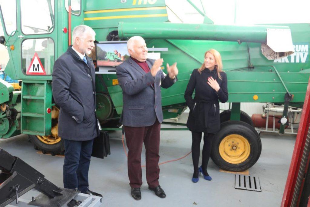 """Žemės ūkio ministras lankėsi  mokymo centre """"Automobilis"""""""
