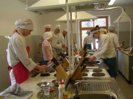 Europietiškos virtuvės patirtis ir kultūra tobulinant maisto ruošimo praktinius įgudžius